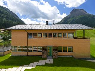 Luxury ski chalet No 685 in Lech Austria