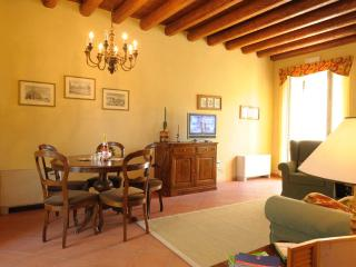Charming 3 bedrooms apartment ground floor, Peschiera del Garda