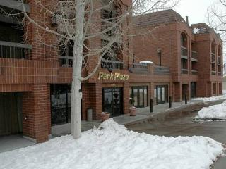 Park Regency Resort, Park City UT. 1 bdrm. sleeps 4, July 26- Aug 2nd, 2014 Only $249 for the entire week's stay! - Utah Ski Country vacation rentals