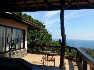 Sea View Penthouse with Jacuzzi, Maret