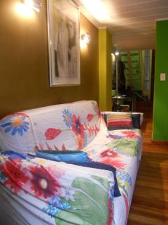 Bohemian Mezzanine in the heart of Recoleta Patio,Wifi,Cable TV, Buenos Aires