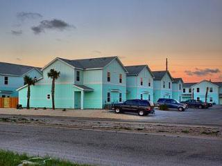 Close to Beach and Schlitterbahn. Brand New Rental, Corpus Christi