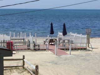 Beautiful Cape Cod Home Right on Nantucket Sound!, Dennis Port