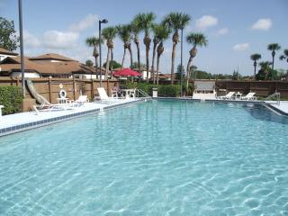 Large shimmering pool, tennis courts & playground, Palm Bay