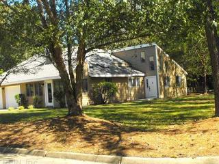 Amazing  Contemporary Home Rental!  Peaceful get a, Virginia Beach