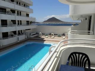 Apartment with wifi and swimming pool in El Medano