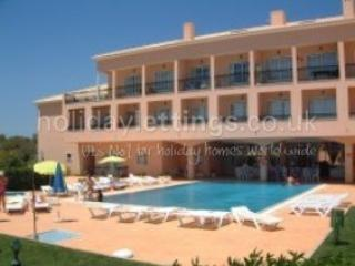 Casa D'Alvor-This apartment is on the second floor over looking the Pool ! Large Balcony
