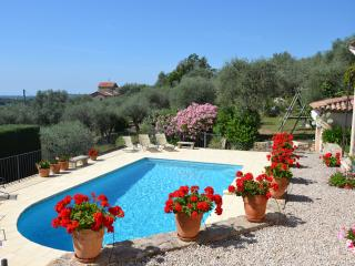 Stunning Cote d'Azur villa with pirvate pool, terrace and sea view, Opio