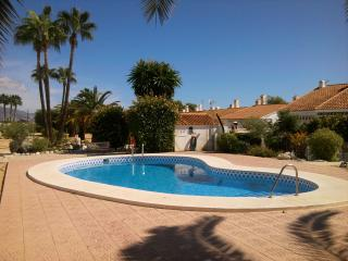 Beautiful row house near Benidorm, La Nucia