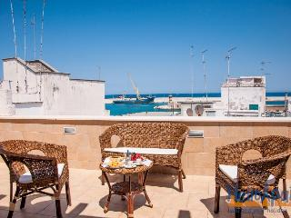 Don Antonio: Seafront Apartment for Rent Puglia, Monopoli