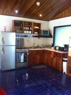 Full size kitchen with everyting you need.
