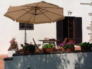 3 bedroom Tuscan holiday villa in the countryside with pool and balcony, Bagno a Ripoli
