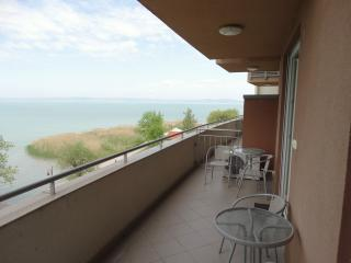Gold Premium Apartment in Wellness Apartment House, Siofok