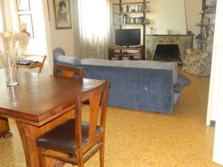 Large Apartment in front of the Walls of Lucca