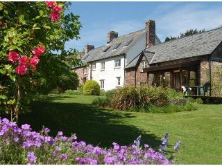 Red Hart Self-Catering Cottage, Crickhowell