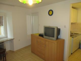 Apartment Coco 5 minutes from the beach, Medveja