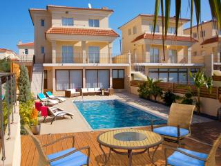 Beach Holiday 5 bed Villa 250m frm beach&ameneties, Protaras