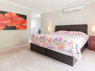 H6 Luxury Master Suite 4km to Perth city, East Victoria Park