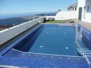 Villa in Tenerife with pool, El Sauzal