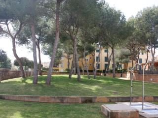 Beautiful apartment with pool next to the sea, Llucmajor