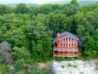 Stone Ledge Cabin, Lookout Mtn on the bluff,, Chattanooga