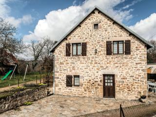 Barn restored for a quiet stay in the countryside, Correze