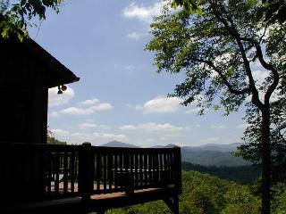 Bridges Cottage a quaint mountain cabin with fantastic views of Grandfather, Blowing Rock