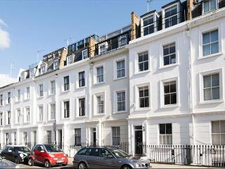 Beautiful, modern 2 bedroom holiday apartment in Pimlico, Central London