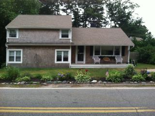 5 Bedroom Home - .5 miles to Craigville Beach, Barnstable