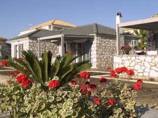 Harmony Villa 2 - 2bdr, sleeps 6, wifi, near beach, Mouzaki