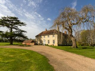 Huntingfield House Bed and Breakfast, Stalisfield