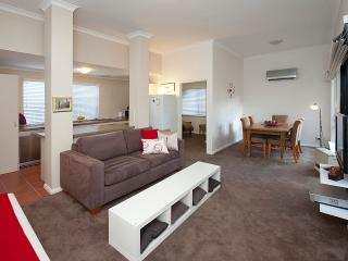 Como Executive Apartment, South Perth
