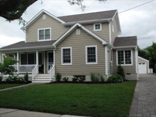 Renovated Cottage, Four Short Blocks to Beach 3884 - Image 1 - Cape May - rentals