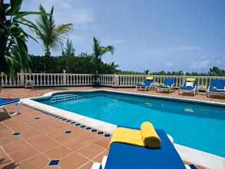 BELLE MER... luxury hillside villa, 3 min to Orient Beach!, Orient Bay
