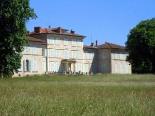 Chateau Beaurive - 15, Essertines-en-Chatelneuf