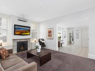WOOLLAHRA Edgecliff Road .234., Rose Bay