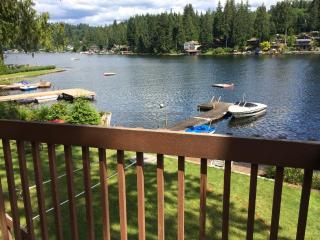 Awesome Lake Roesiger Cabin, Lake Stevens