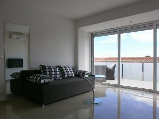 Bright and Modern Apartment Vito with a Pool  Nr.1, Krk