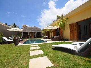Balinese style villa, Pointe aux Canonniers