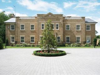 Luxury Home Mayfields Nr Ascot (ES955)