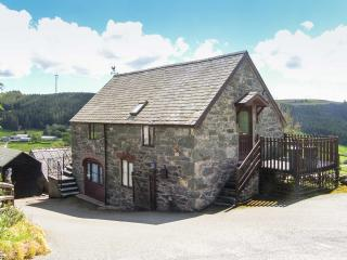 Y BWTHYN detached with a balcony, superb views in Bala Ref 913999