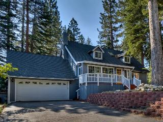 Home with spacious back deck, grill, hot tub and home theater room - Lone Pine Lodge, South Lake Tahoe
