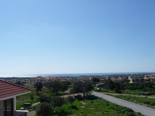 2 bedroom flat with both balcony & roof garden, Mazotos