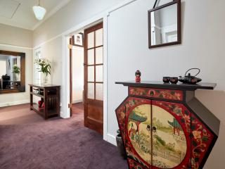 Family friendly/secure/wifi/beach, St Kilda