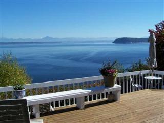 Maple Cove Beach House *WHIDBEY ISLAND WATERFRONT*, Langley