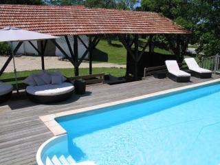 Modern Farmhouse with heated pool and large garden, Hossegor