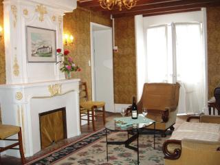 Loire Valley Historic Richelieu Hotel Particulier