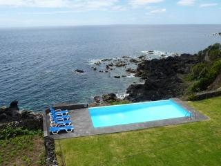 164 Nature Cottage with shared Pool on Pico Island