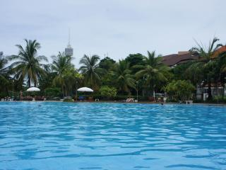 Budget One Bed Apt- FREE Electric-WiFi-Cable TV, Jomtien Beach