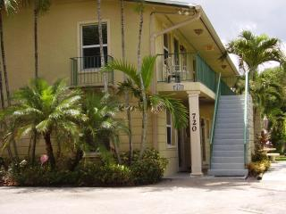 Comfortable Grandview Heights 2 Bedroom Condos, West Palm Beach